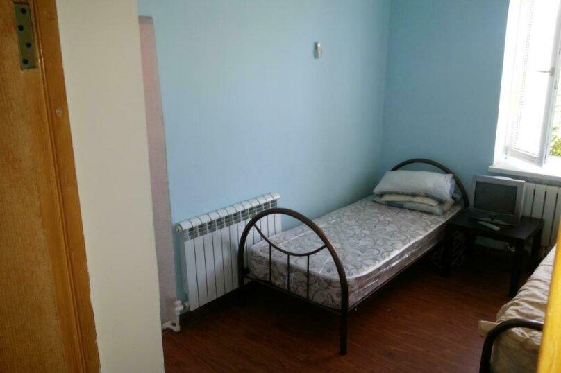 """Гостевой дом """"На Калинина 113"""", Калинина, 113 на 3 комнаты - Фотография 9"""