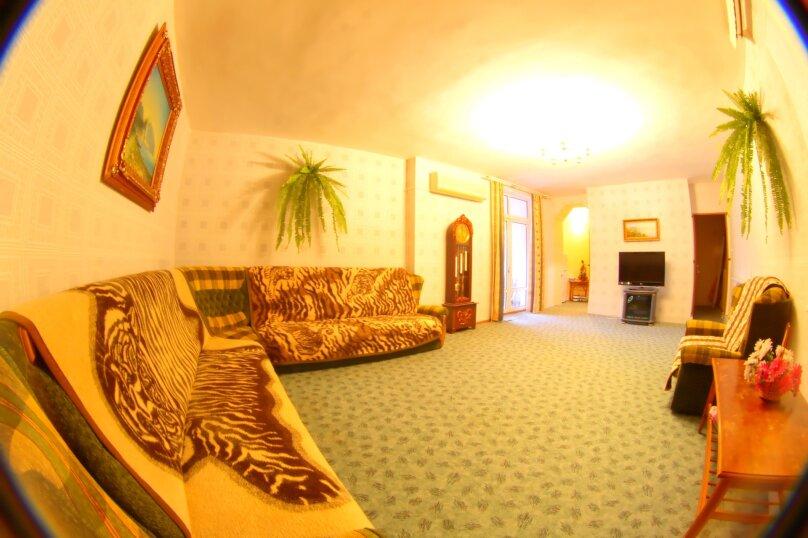 #Дом в Ялте с двориком, для семейного отдыха с детьми., улица Ломоносова, 51А на 2 комнаты - Фотография 8