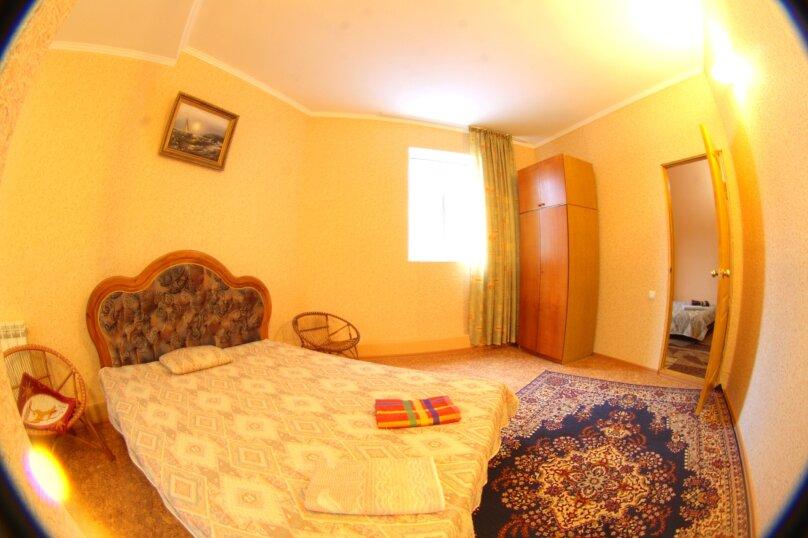 #Дом в Ялте с двориком, для семейного отдыха с детьми., улица Ломоносова, 51А на 2 комнаты - Фотография 11
