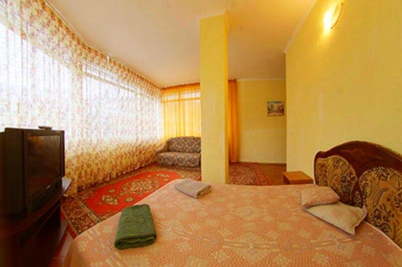 #Дом в Ялте с двориком, для семейного отдыха с детьми., улица Ломоносова, 51А на 2 комнаты - Фотография 17