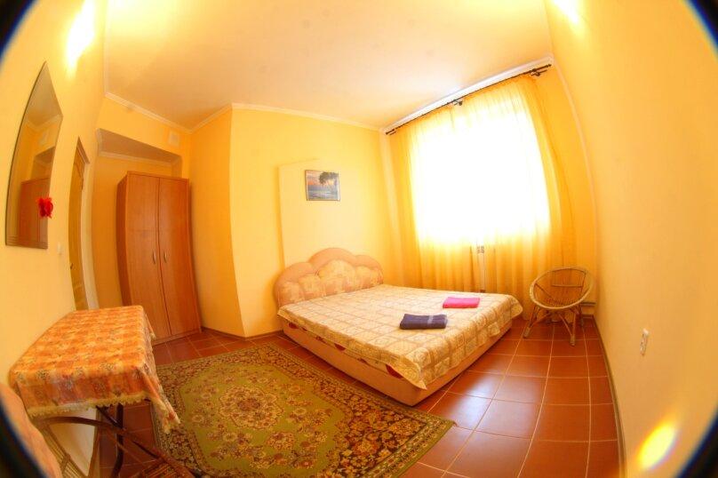 #Дом в Ялте с двориком, для семейного отдыха с детьми., улица Ломоносова, 51А на 2 комнаты - Фотография 20