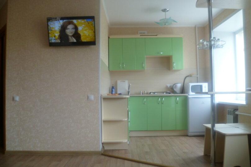2-комн. квартира на 2 человека, улица Пушкина, 99, Омск - Фотография 5
