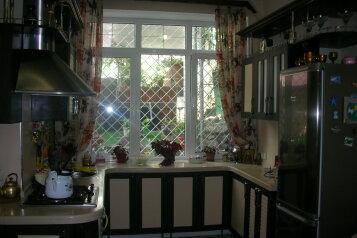 Второй этаж посуточно, 60 кв.м. на 6 человек, 3 спальни, улица Нины Попцовой, 4, Центр, Пятигорск - Фотография 3