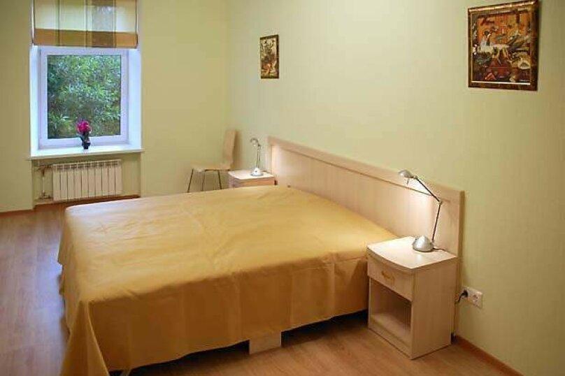 1-комн. квартира, 40 кв.м. на 2 человека, улица Сысоева, 4, Хабаровск - Фотография 1