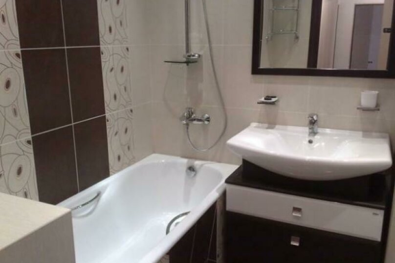 2-комн. квартира, 52 кв.м. на 4 человека, улица Ким Ю Чена, 21, Хабаровск - Фотография 3