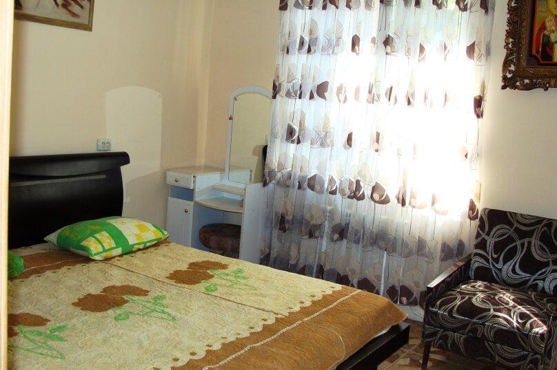 """Гостевой дом """"На Калинина 1А"""", улица Калинина, 1А на 9 комнат - Фотография 14"""
