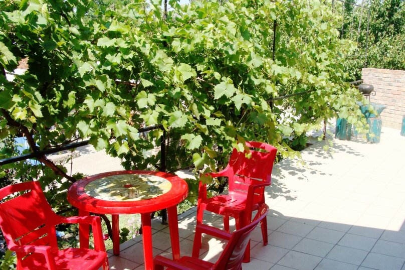 На балконе, улица Калинина, 1А, Феодосия - Фотография 1