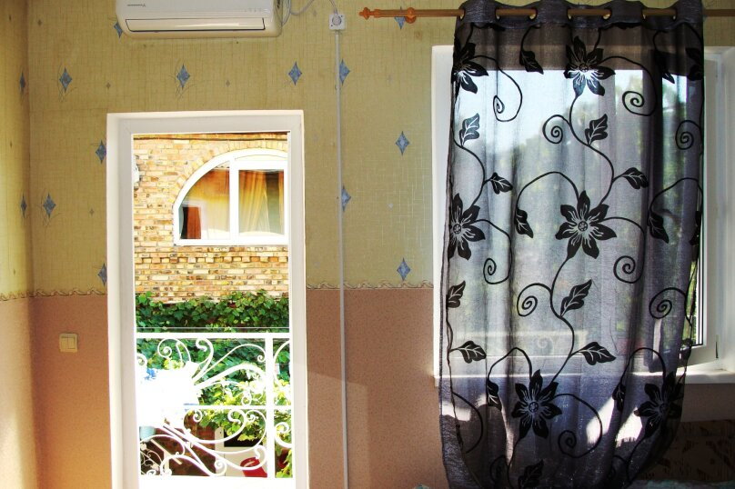 """Гостевой дом """"На Калинина 1А"""", улица Калинина, 1А на 9 комнат - Фотография 32"""
