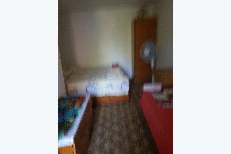 Трёхместный номер №1, улица 50 лет Октября, 21, Приморско-Ахтарск - Фотография 1