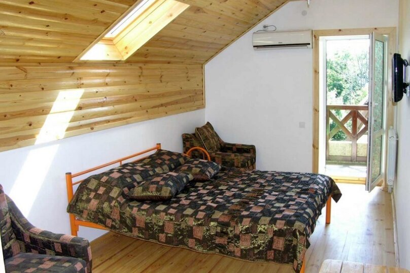 Люкс 2 комнатный, улица Мира, 8А, Криница - Фотография 1