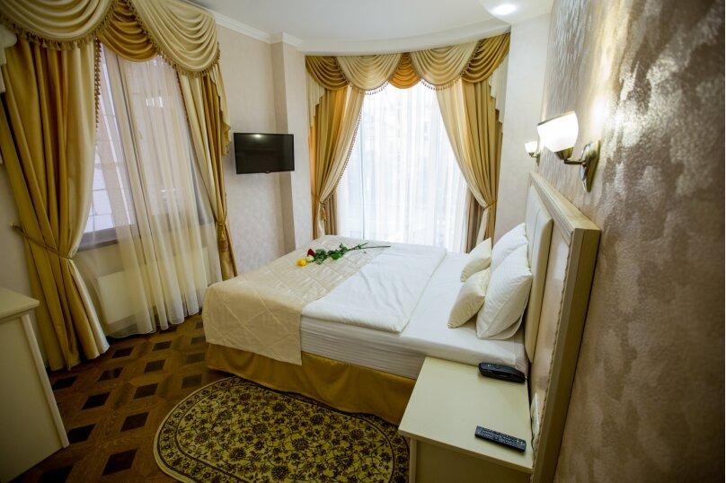 """Мини-отель """"Shine House"""", улица Ленина, 63 на 44 номера - Фотография 28"""