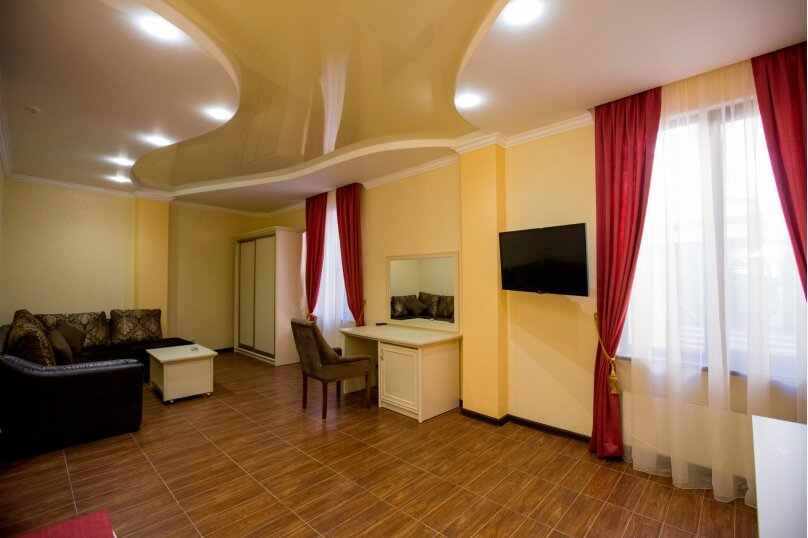 """Мини-отель """"Shine House"""", улица Ленина, 63 на 44 номера - Фотография 25"""