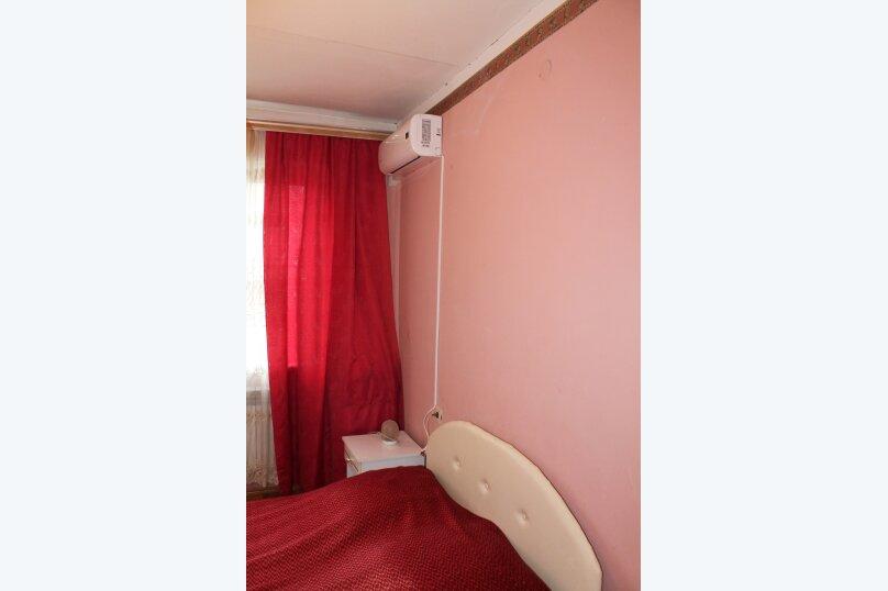 """Гостевой дом """"У Карена"""", Аэродромная улица, 18 на 8 комнат - Фотография 43"""