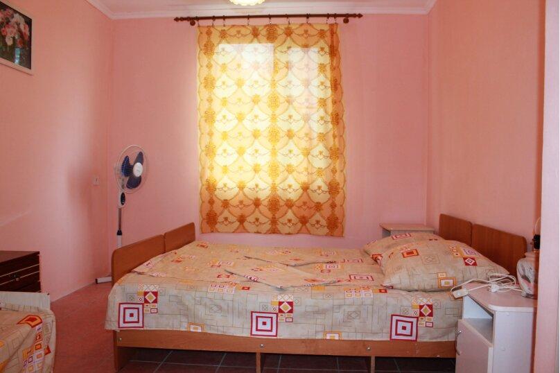 """Гостевой дом """"У Карена"""", Аэродромная улица, 18 на 8 комнат - Фотография 27"""