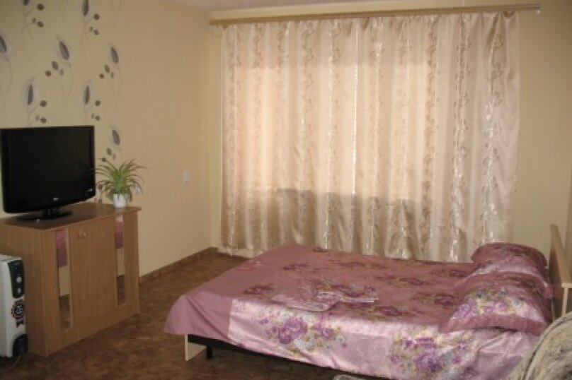 1-комн. квартира, 40 кв.м. на 4 человека, Ангарская улица, 13, Волгоград - Фотография 2