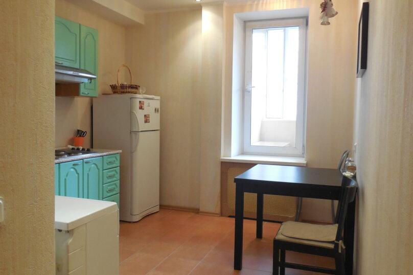 1-комн. квартира, 37 кв.м. на 3 человека, проспект Ударников, 33, метро Ладожская, Санкт-Петербург - Фотография 3