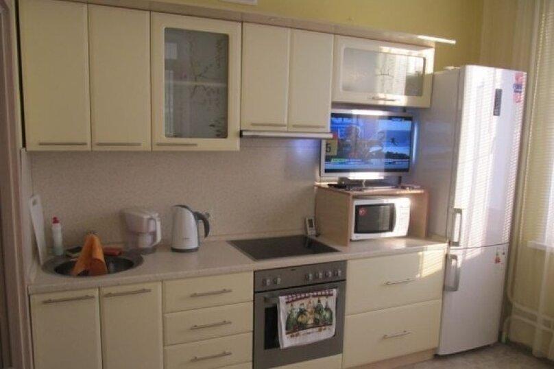 2-комн. квартира, 70 кв.м. на 3 человека, улица Мичурина, 27, Новосибирск - Фотография 2