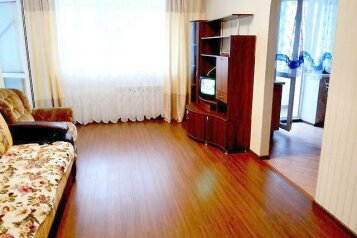 2-комн. квартира, 57 кв.м. на 4 человека, Большая улица, 12, Железнодорожный округ, Хабаровск - Фотография 1