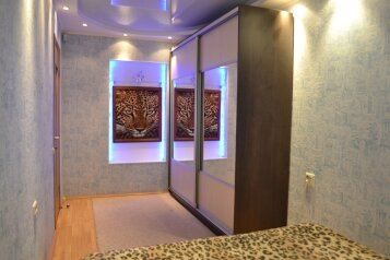 2-комн. квартира, 60 кв.м. на 4 человека, проспект Ленина, 33А, Центральный район, Челябинск - Фотография 2