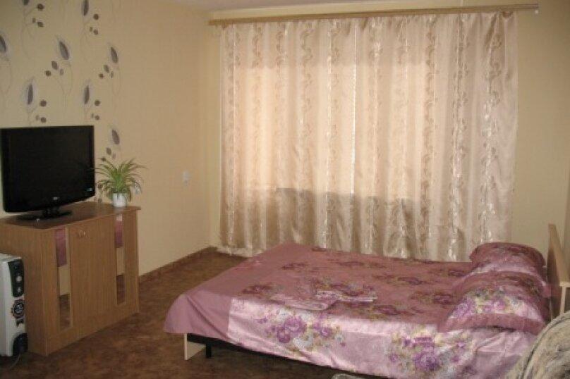 1-комн. квартира, 40 кв.м. на 4 человека, Ангарская улица, 13, Волгоград - Фотография 1