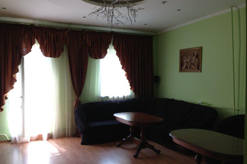 """Гостиница """"Лунный свет"""", Вольская улица, 84 на 8 комнат - Фотография 1"""