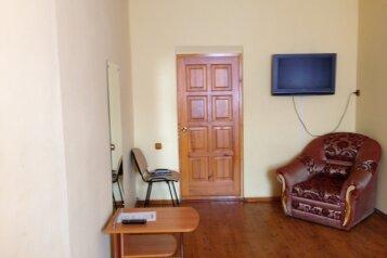 Эконом:  Номер, Эконом, 1-местный, 1-комнатный, Гостиница, Вольская улица на 8 номеров - Фотография 3