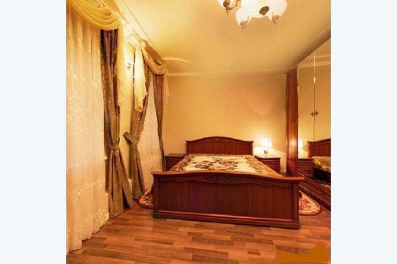 Сдаётся шикарный коттедж, 380 кв.м. на 11 человек, 4 спальни, Первомайская, 16, Челябинск - Фотография 32
