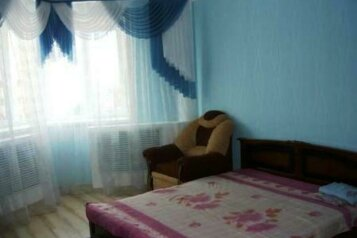 1-комн. квартира, 45 кв.м. на 5 человек, улица Лескова, 3, Советский район, Орел - Фотография 1