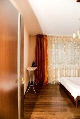 2-комн. квартира, 78 кв.м. на 5 человек, проспект Космонавтов, 61к1, Санкт-Петербург - Фотография 2