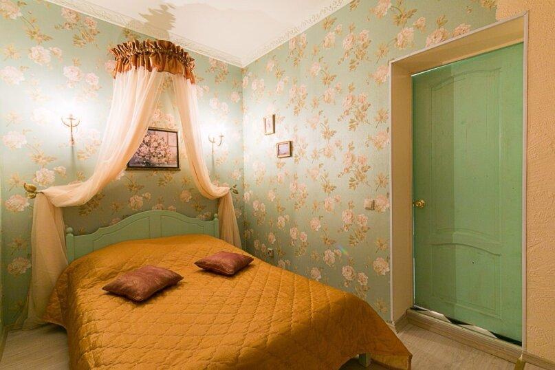 2-комн. квартира, 30 кв.м. на 4 человека, улица Жуковского, 6, Санкт-Петербург - Фотография 1