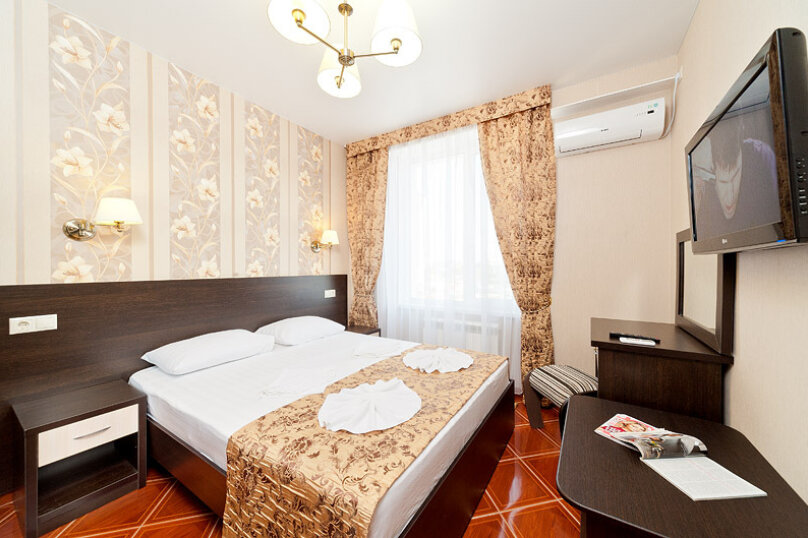 2-х комнатный номер-люкс, проезд Александрийский, 7, Витязево - Фотография 1
