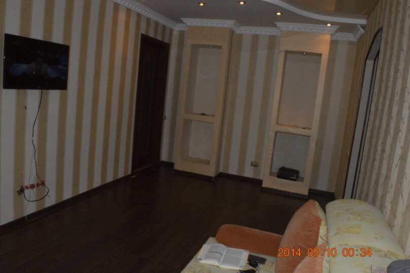 4-комн. квартира, 65 кв.м. на 8 человек, улица Ленина, 47А, Салават - Фотография 4