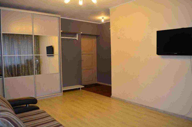 1-комн. квартира, 38 кв.м. на 4 человека, улица Залесского, 7, Новосибирск - Фотография 2