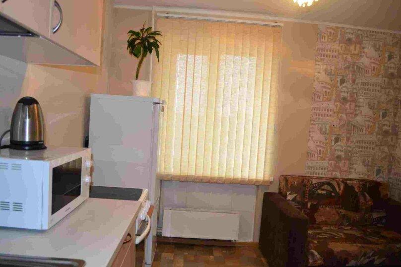 1-комн. квартира, 38 кв.м. на 4 человека, улица Залесского, 7, Новосибирск - Фотография 9