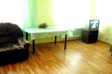 2-комн. квартира, 70 кв.м. на 6 человек, Билимбаевская улица, 25к4, Железнодорожный район, Екатеринбург - Фотография 3