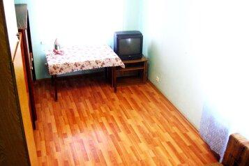 2-комн. квартира, 70 кв.м. на 6 человек, Билимбаевская улица, 25к4, Железнодорожный район, Екатеринбург - Фотография 4