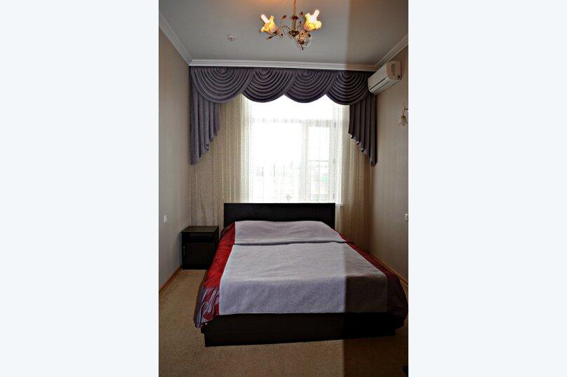 Одноместный стандарт с двуспальной кроватью , Загородная , 9г, Майкоп - Фотография 1