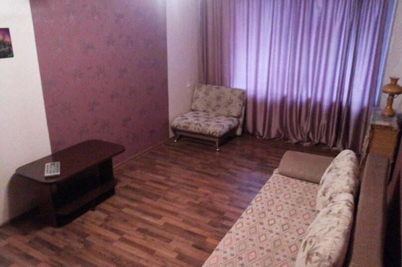 1-комн. квартира, 35 кв.м. на 4 человека, бульвар Гагарина, 83, Пермь - Фотография 1