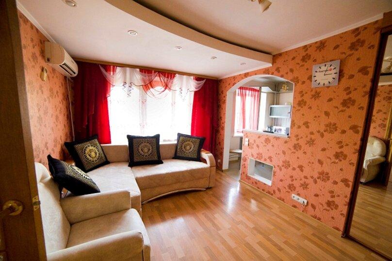 2-комн. квартира, 55 кв.м. на 4 человека, улица Пушкина, 15, Хабаровск - Фотография 4