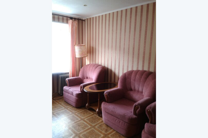 2-комн. квартира, 48 кв.м. на 6 человек, улица Ленина, 49, Пермь - Фотография 1