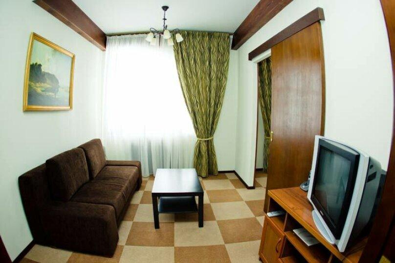 Family-room, Высоцк, ж/д ст. Пихтовое, -, Выборг - Фотография 1