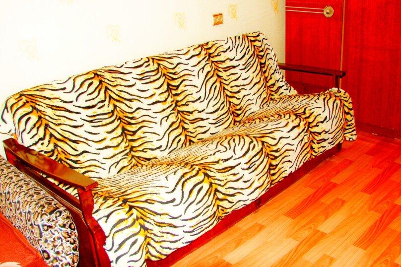 1-комн. квартира, 36 кв.м. на 4 человека, проспект Дзержинского, 3, Оренбург - Фотография 3