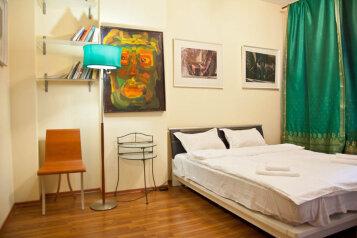 3-комн. квартира на 6 человек, 1-й Басманный переулок, метро Комсомольская, Москва - Фотография 1