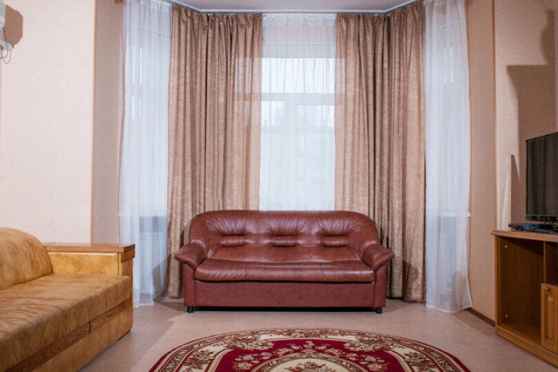 2-комн. квартира, 75 кв.м. на 5 человек, улица Мира, 20, метро Комсомольская, Волгоград - Фотография 3