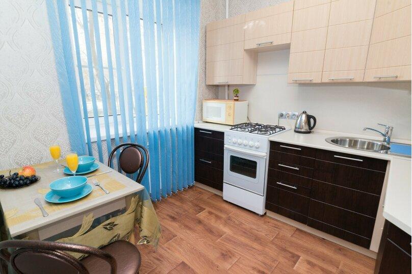 1-комн. квартира, 32 кв.м. на 4 человека, улица Луначарского, 78, Екатеринбург - Фотография 1