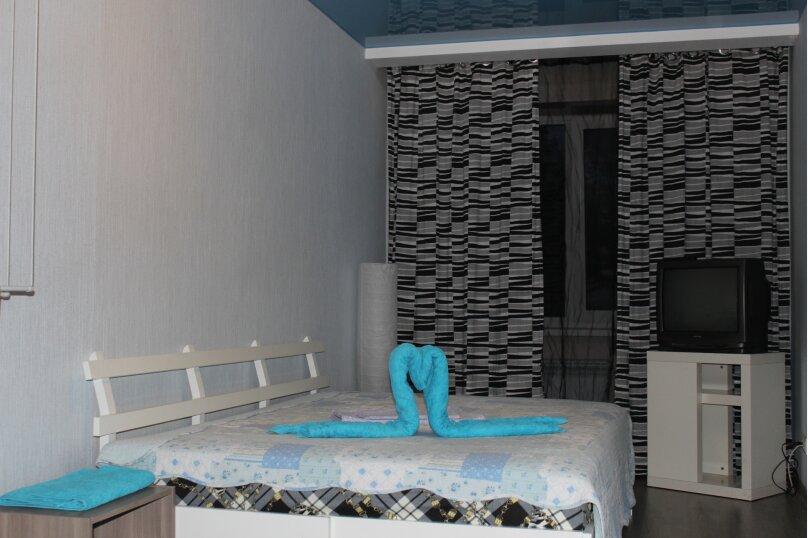 3-комн. квартира, 57 кв.м. на 7 человек, улица Кошурникова, 5, Новосибирск - Фотография 5