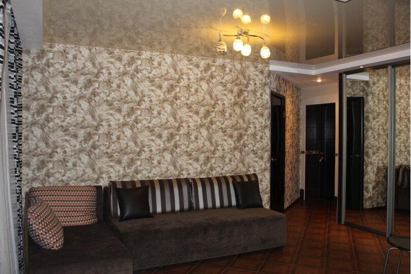 3-комн. квартира, 57 кв.м. на 7 человек, улица Кошурникова, 5, Новосибирск - Фотография 6