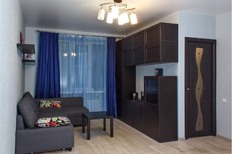 1-комн. квартира, 33 кв.м. на 4 человека, проспект Дзержинского, 20/1, Новосибирск - Фотография 1