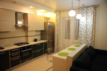 2-комн. квартира, 56 кв.м. на 4 человека, улица Костычева, Советский район, Брянск - Фотография 1