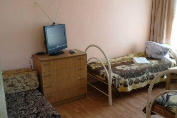 Домик на 5 человек, 7 спален, улица Розы Люксембург, 25, Центр, Геленджик - Фотография 2